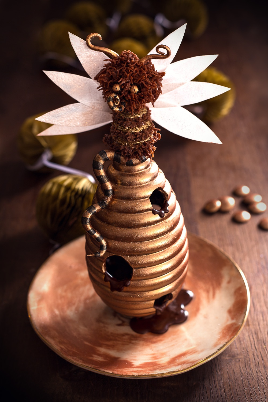 La reine des abeilles - Studio de creation - Qui a vole les tartes