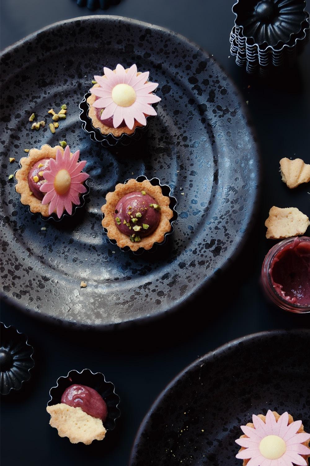 Tartelettes raspberry curd 4 - Qui a volé les tartes - Studio 2 création