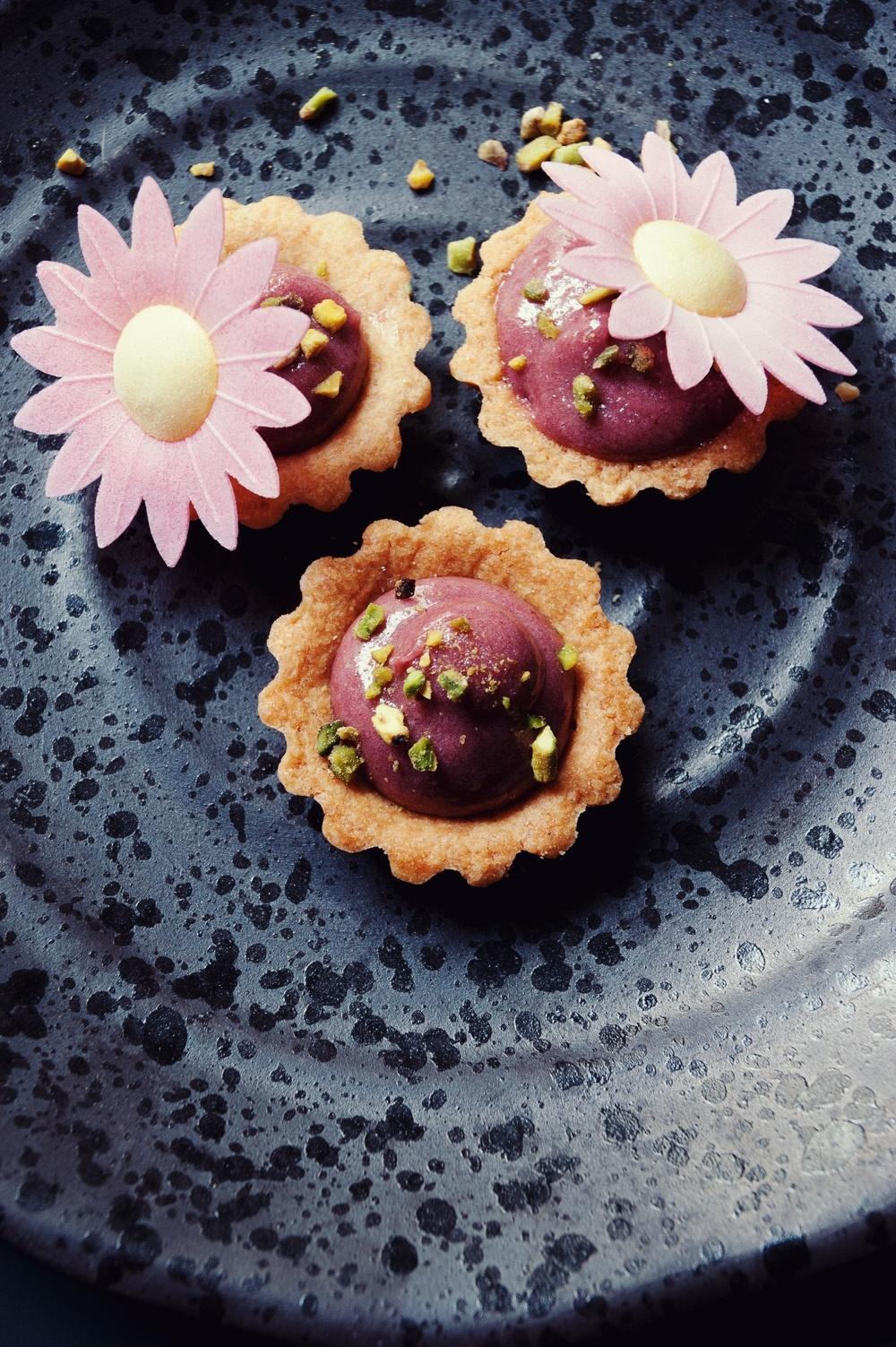Tartelettes raspberry curd - Qui a volé les tartes - Studio 2 création