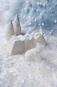 Bûche Montagne Noix de coco sans gluten et son ours au chocolat blanc ©Photographie et stylisme culinaire Qui a volé les tartes ?