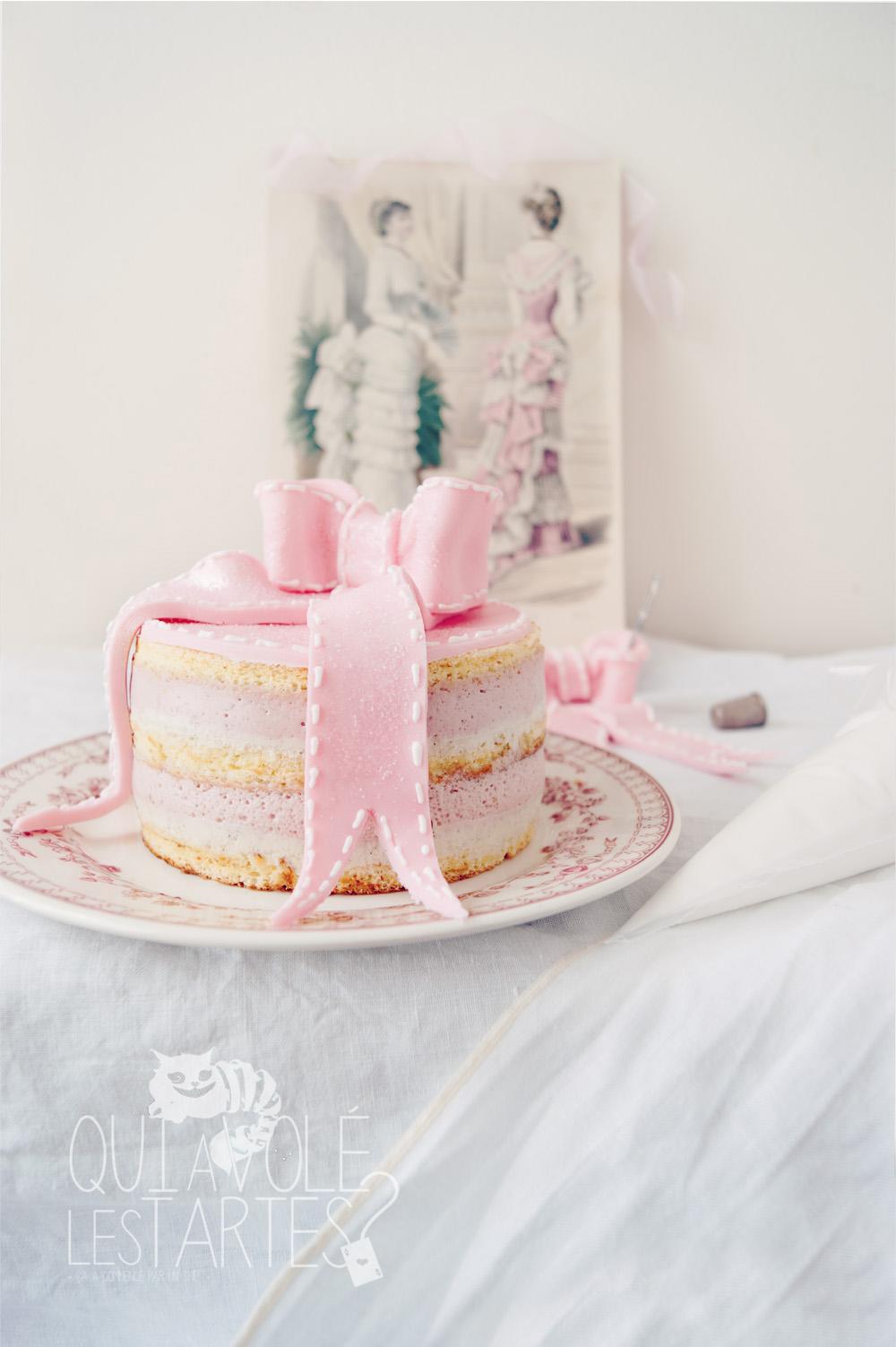 Charlotte couture en layer cake 3 - studio de création - Qui a volé les tartes
