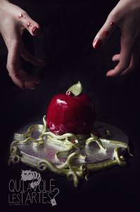Pomme empoisonée de blanche-neige - Molly Cake aux pommes et chocolat blanc ©Photographie et stylisme culinaire Qui a volé les tartes ?
