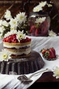 Victoria Sponge Naked Cake sans gluten ©Photographie et stylisme culinaire Qui a volé les tartes ?