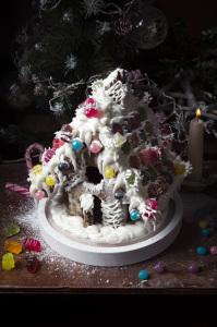 Ma première maison de pain d'épices - My first Gingerbread House - Hansel & Gretel ©Photographie et stylisme culinaire Qui a volé les tartes ?