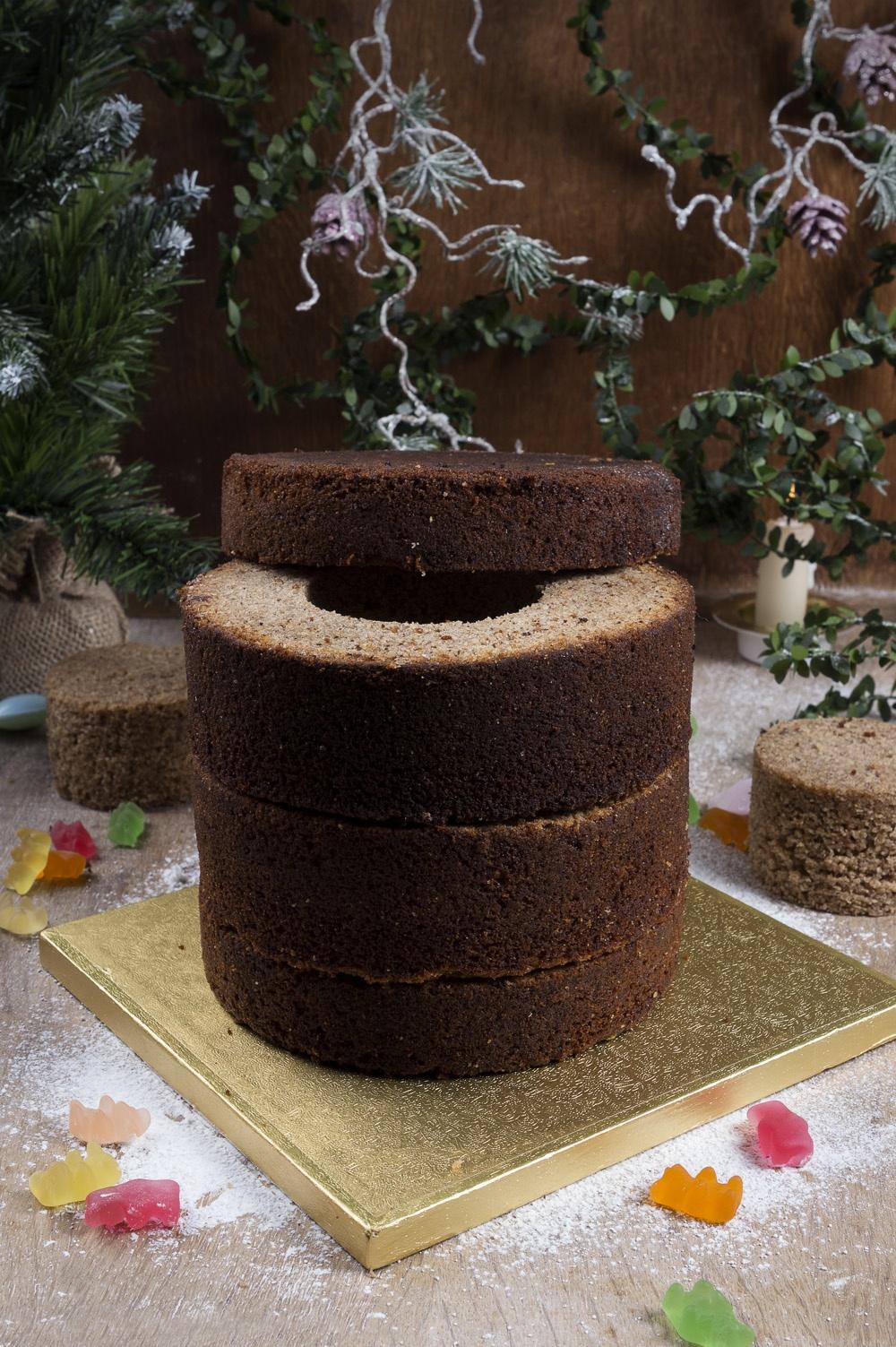 pinata-cake-montage-qui-a-vole-les-tartes-pour-feerie-cake-studio-de-creation