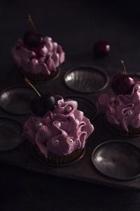 Cupcakes froufrous - cupcake sirop d'érable, gelée minute fruits-rouges & topping cheesecake fruits-rouges sans gluten  ©Photographie et stylisme culinaire Qui a volé les tartes ?