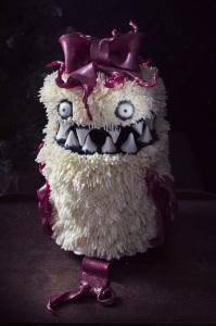 Gift Cake Monster - le gâteau cadeau monstrueux - Molly cake à la vanille, buttercream à la meringue italienne  ©Photographie et stylisme culinaire Qui a volé les tartes ?