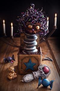 Jack in the box ou Zébulon - Quatre-quarts au chocolat, praliné maison, curd au citron, ganache au gianduja    ©Photographie et stylisme culinaire Qui a volé les tartes ?