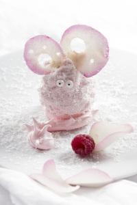 Merveilleux - Marvellous Mouse - Merveilleux framboises & noix de coco  ©Photographie et stylisme culinaire Qui a volé les tartes ?