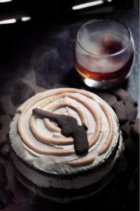Capiche ? LA version dangereuse de la Torta caprese, une vraie tuerie  © Création - Qui a volé les tartes © Stylisme - La Châteleine
