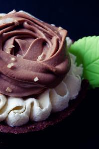 Tarte au chocolat à la fleur de sel de Guérande  ©Photographie et stylisme culinaire Qui a volé les tartes ?