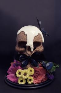 Cake vanille & pavot en forme de crâne  © Création - Qui a volé les tartes © Stylisme - La Châteleine