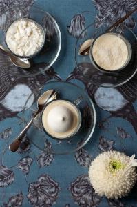 Panna cotta chocolat blanc & coco ©Photographie et stylisme culinaire Qui a volé les tartes ?
