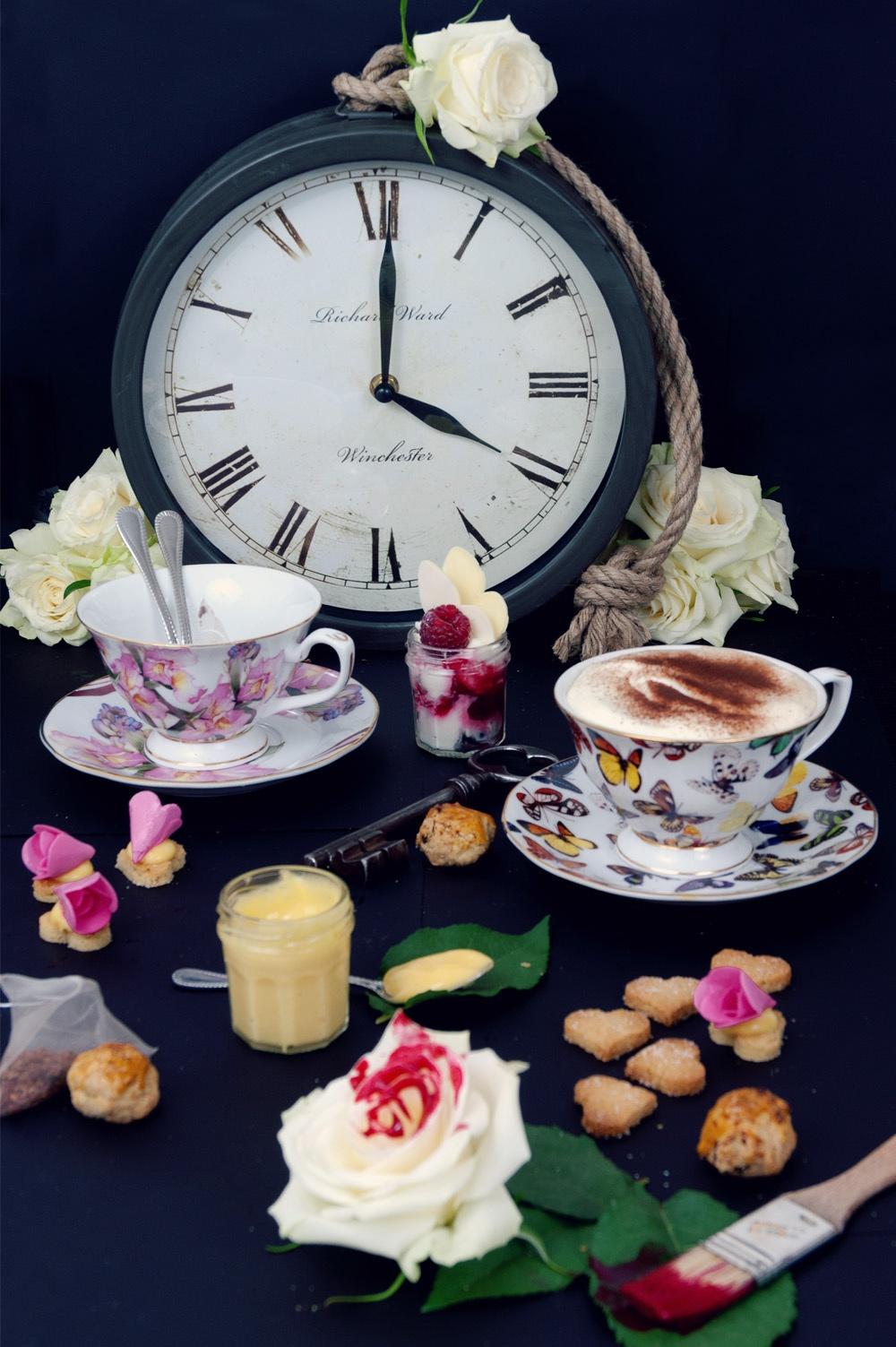 Tea Time in wonderland 1 - Qui a volé les tartes - Studio 2 création