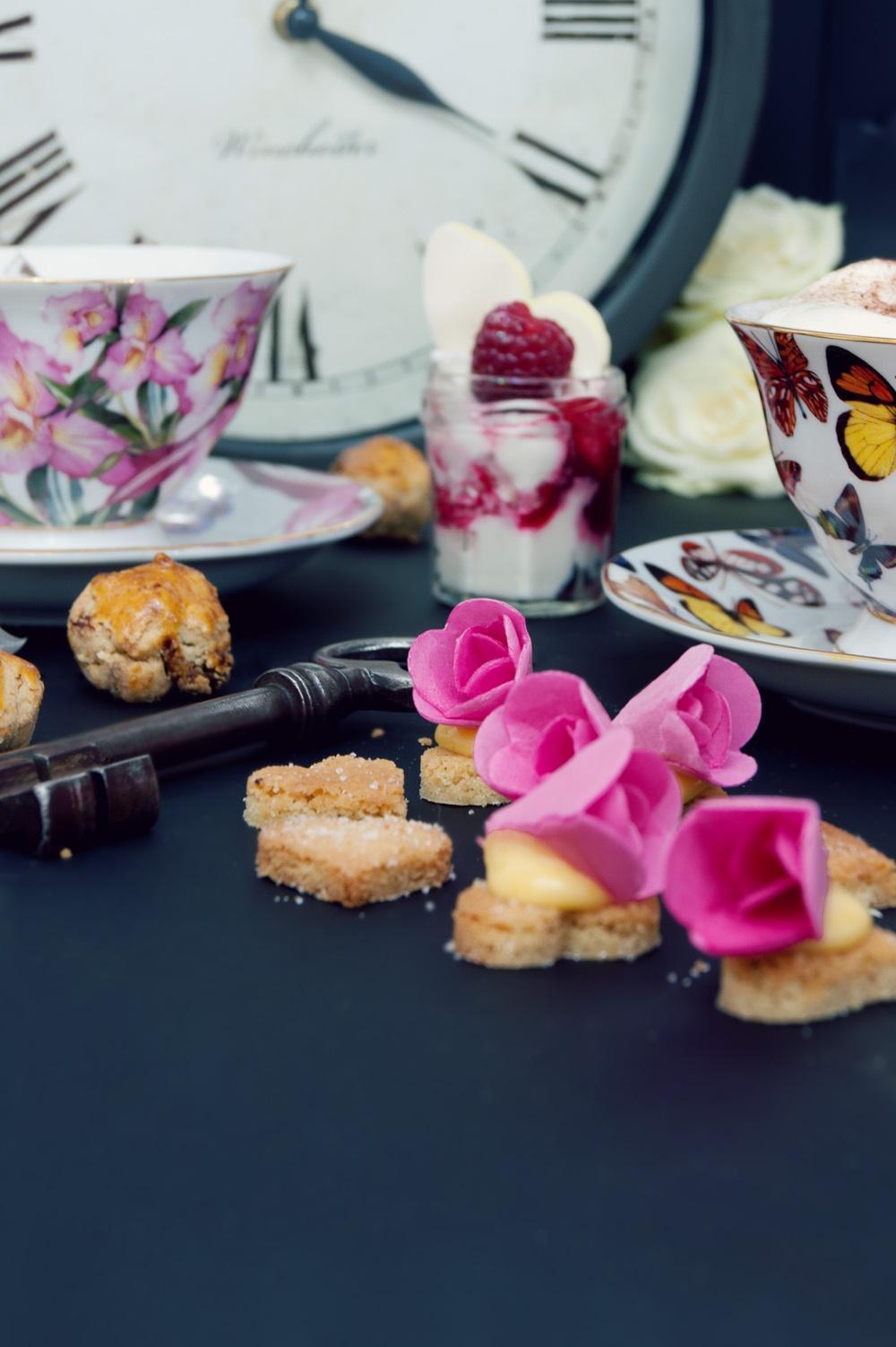 Tea Time in wonderland 16 - Qui a volé les tartes - Studio 2 création