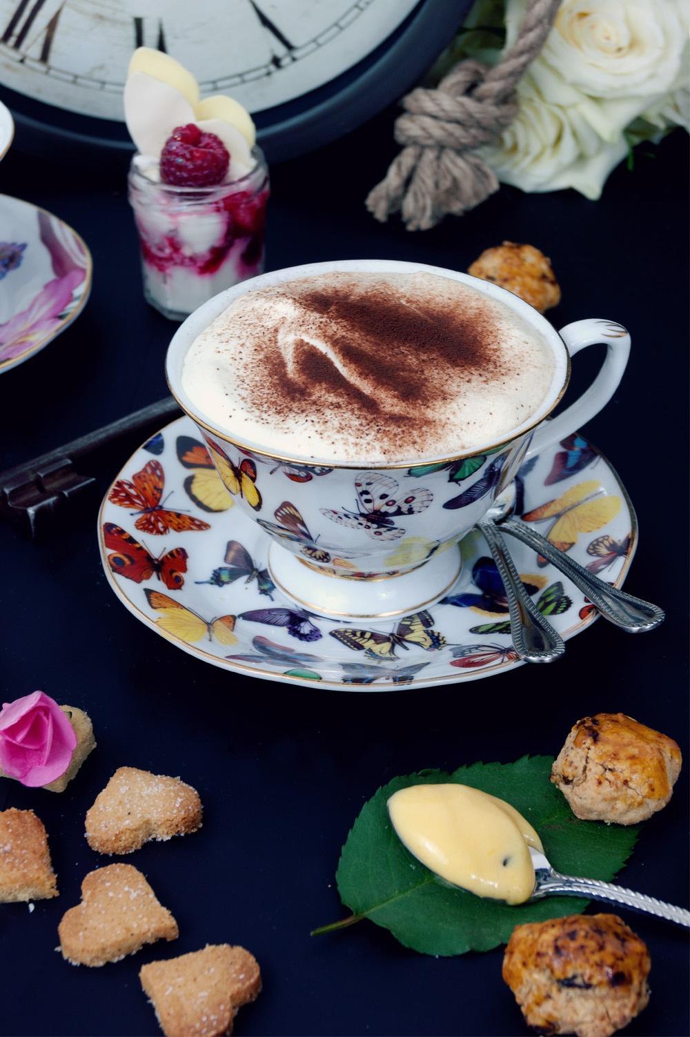 Tea Time in wonderland 5 - Qui a volé les tartes - Studio 2 création