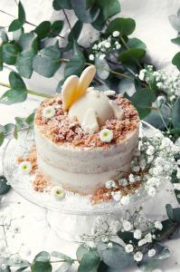 Le lapin blanc - Layer cake vanille chocolat blanc ©Photographie et stylisme culinaire Qui a volé les tartes ?