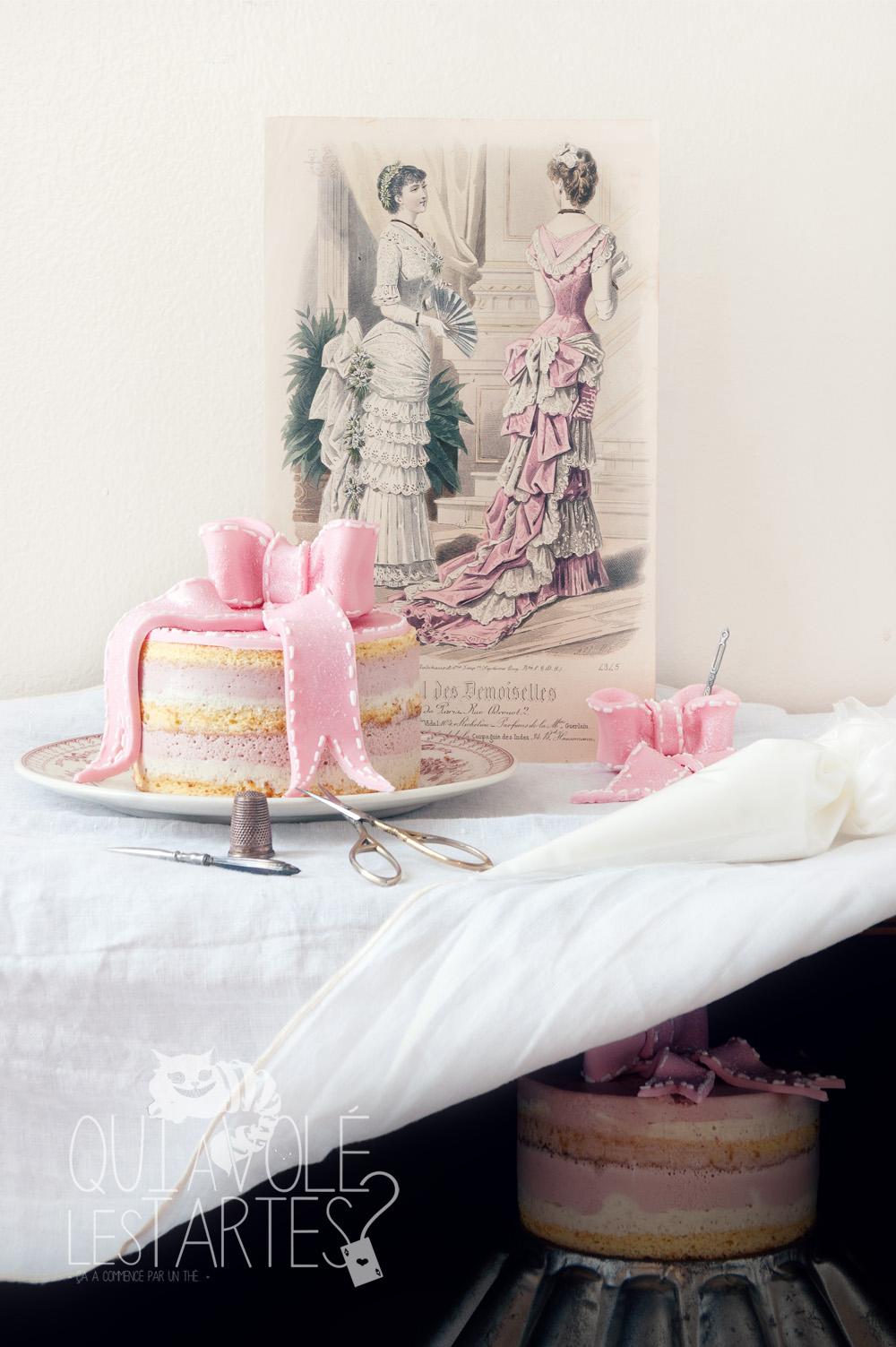 Charlotte couture en layer cake 2 - studio de création - Qui a volé les tartes