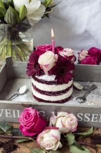 Naked Cake Red Velvet sans gluten ©Photographie et stylisme culinaire Qui a volé les tartes ?