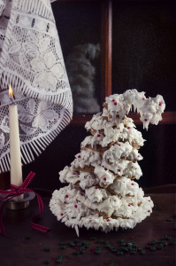Le sapin à souhaits - Sapin 3D en pain d'épices ©Photographie et stylisme culinaire Qui a volé les tartes ?