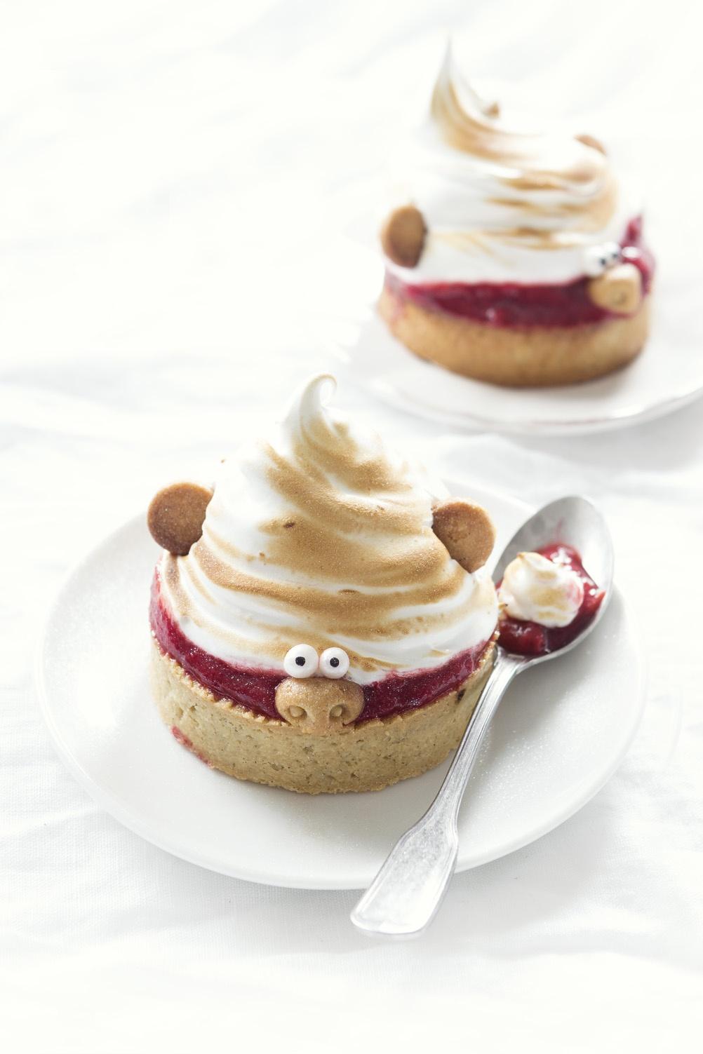 Troll pie - tarte fraise rhubarbe meringue - Studio de creation - Qui a vole les tartes (2)
