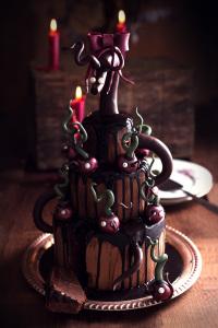 La cerise pourrie sur le gâteau - Mud cake au chocolat sans gluten, sirop de cacao, ganache chocolat noire   Unvalentine Cake Tutorial  - Mud cake, cocoa syrup and dark chocolate ganache ©Photographie et stylisme culinaire Qui a volé les tartes ?