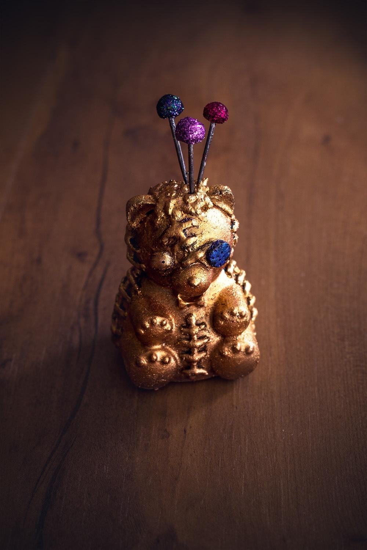 Teddy bear pin cushion1 - Studio de creation - Qui a vole les tartes