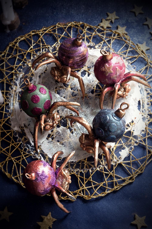 spooky spider and christmas wreath 1- studio de creation - Qui a vole les tartes