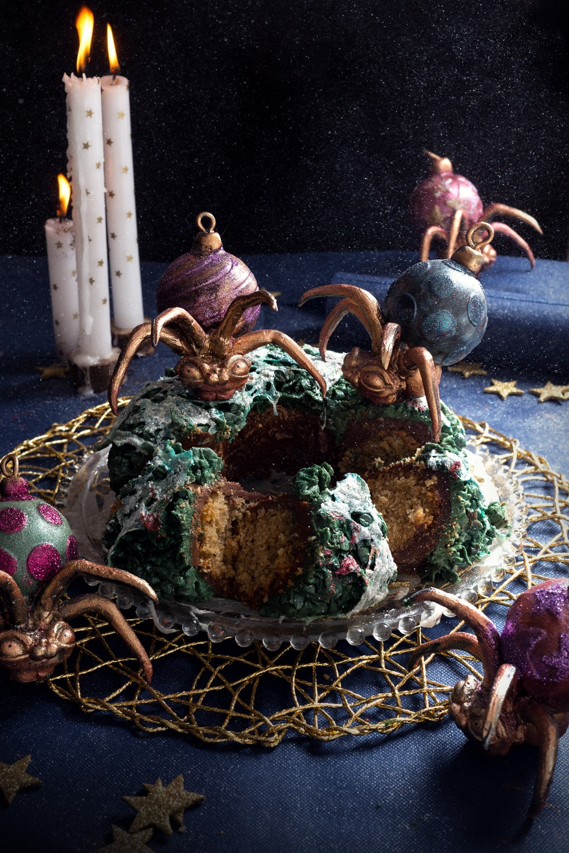 spooky spider and christmas wreath3- studio de creation - Qui a vole les tartes